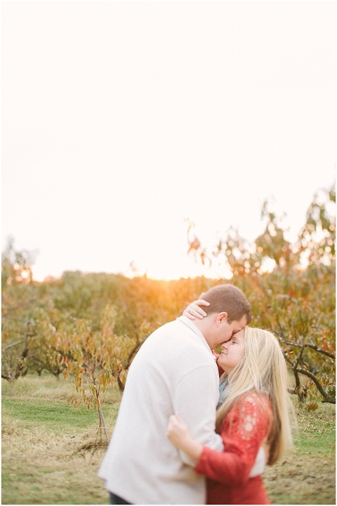 Apple-Orchard-Vincennes-Engagment-Session_1126
