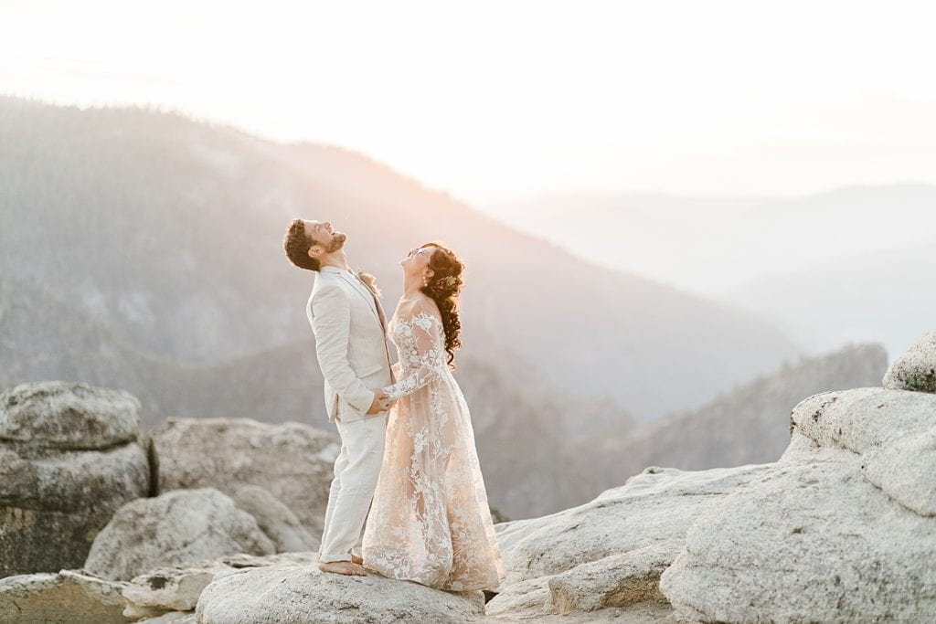 Elopement couple Yosemite National Park